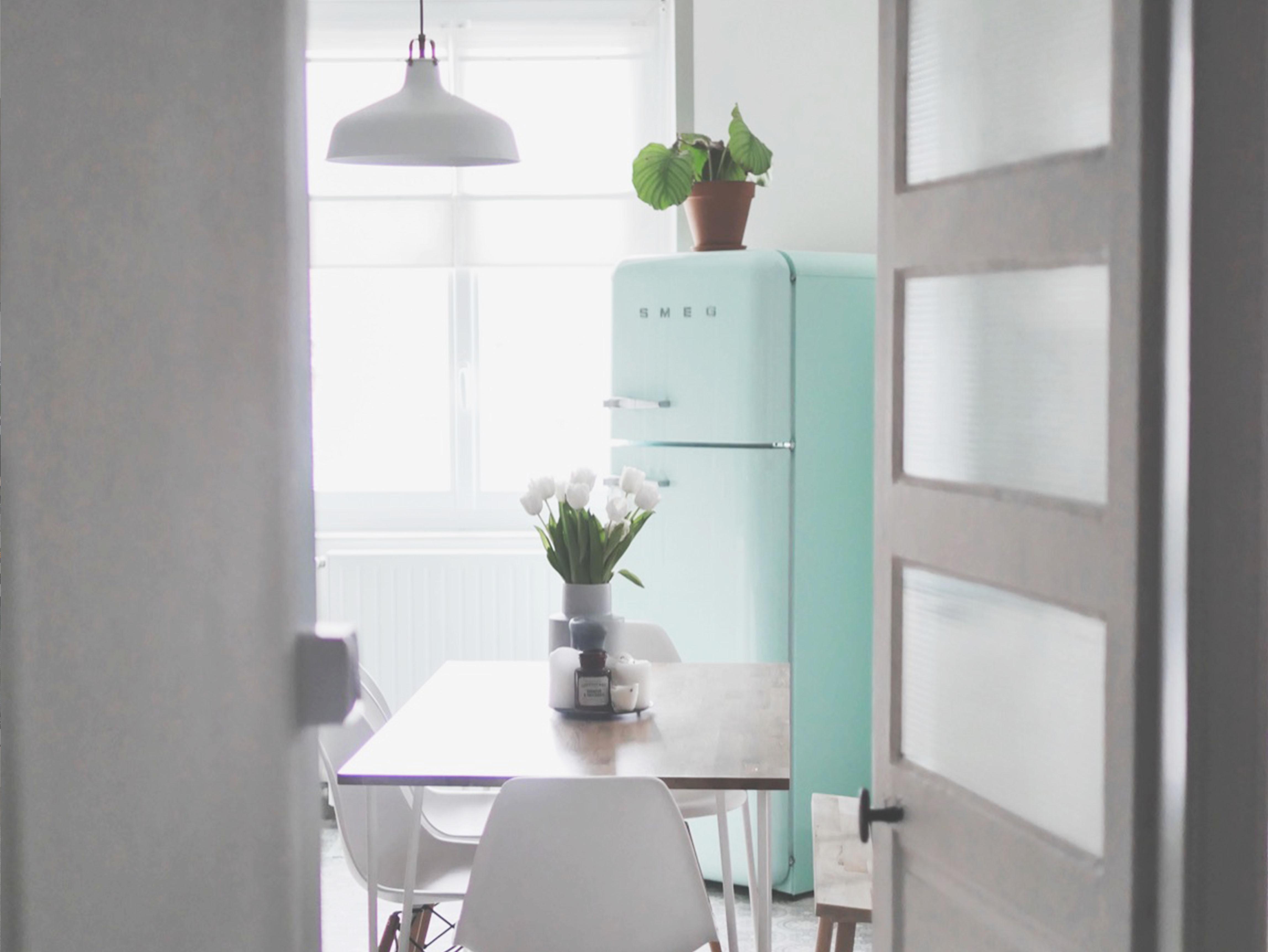 great bienvenue dans ma cuisine presque tout pile an aprs notre emmnagement dans notre. Black Bedroom Furniture Sets. Home Design Ideas